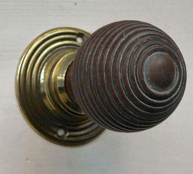 wood-door-knob-1